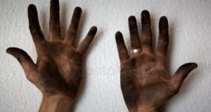 dirty-hands-photo