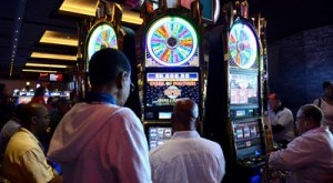Casinos want penalties for underage gamblers