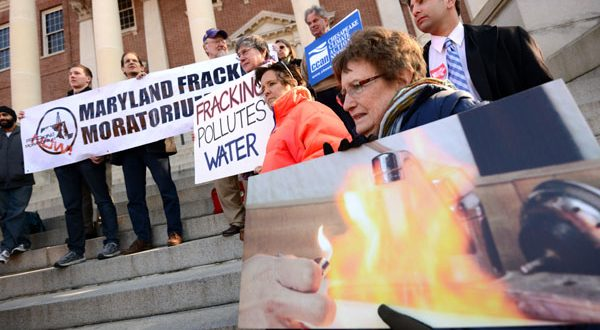 Delay urged on fracking panel's report