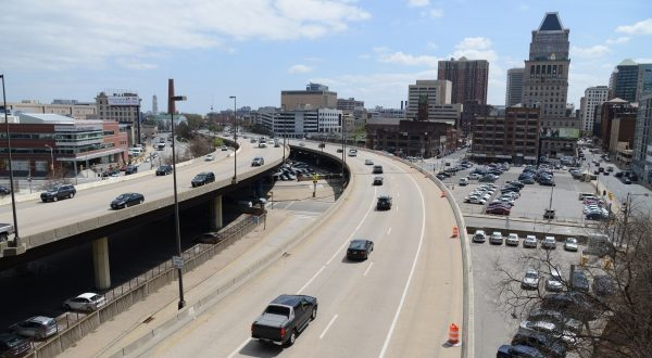 Cars drive along Interstate 83 in Baltimore. (The Daily Record/Maximilian Franz)