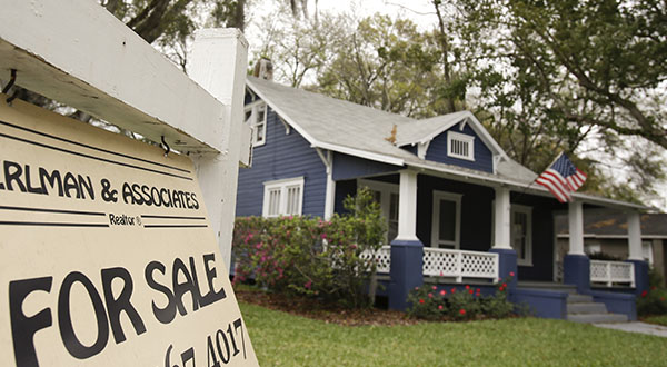 Average U.S. 30-year mortgage rate falls to 4.27 pct