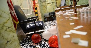 Confetti and balloons marked the end of Maryland's 2014 legislative session. (The Daily Record/Maximilian Franz)