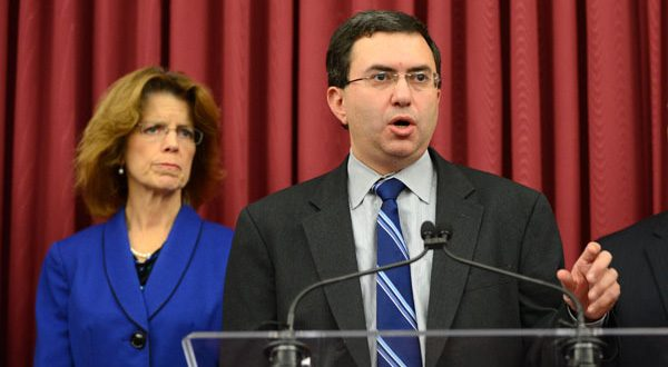 Left and Right- Carolyn Quattrocki, Interim Executive Director of the Maryland Heath Benefit Exchange and Dr. Joshua Sharfstein, Secretary of the Department of Health and Mental Hygiene. (The Daily Record/Maximilian Franz)