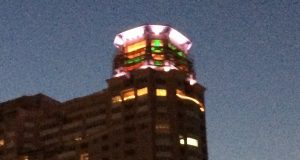 Mayor lights up HarborView beacon