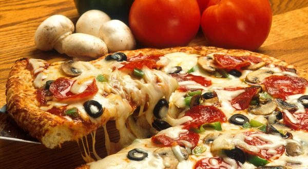 A supreme pizza. (Photo Courtesy of the Agricultural Research Service)