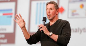 "Larry Ellison ""Larry Ellison 2013 (9887589546)"" by Oracle PR from Redwood Shores, Calif., USA - Larry Ellison on StageUploaded by Schreibvieh. Licensed under Creative Commons Attribution 2.0 via Wikimedia Commons)"