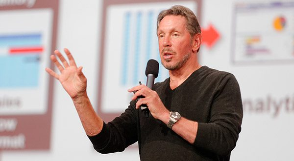 """Larry Ellison """"Larry Ellison 2013 (9887589546)"""" by Oracle PR from Redwood Shores, Calif., USA - Larry Ellison on StageUploaded by Schreibvieh. Licensed under Creative Commons Attribution 2.0 via Wikimedia Commons)"""