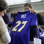 Ravens fans trade in their Rice jerseys at stadium