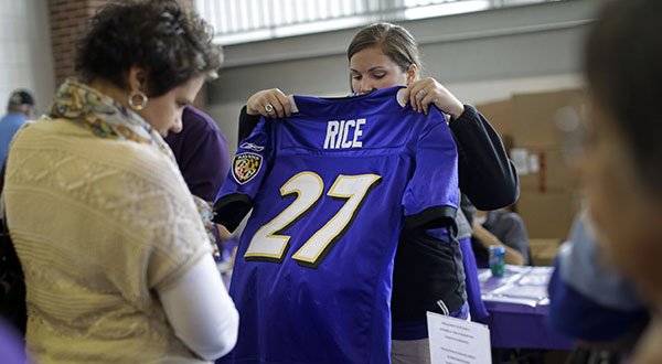 Ravens fans trade in their Rice jerseys at stadium – Maryland ...