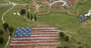 Today at Fort McHenry National Monument & Historic Shrine in Baltimore, MD, more than 6,600 Maryland students and their chaperones created the largest ever 15 stars and 15 stripes Star-Spangled Banner Living Flag, in honor of the 200th anniversary of the writing of the Star-Spangled Banner.(PRNewsFoto/Star-Spangled 200, Inc.)
