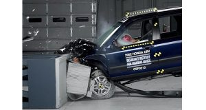 A crash test uses a 2002 Honda CR-V, one of the models subject to a recall to repair faulty air bags. Two U.S. senators want a nationwide recall of air bags made by Takata Corp. (AP Photo)