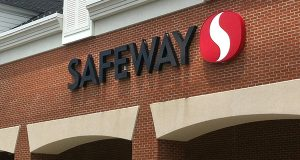 Woman says Safeway wouldn't hire her because she has children