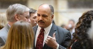 Lawmakers, ACLU back bill to strip governor of parole decisions