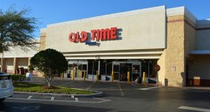 Continental Realty Corp. Fund purchased the Towne Square Shopping Center in Orlando for $10.1 million. (Courtesy Continental Realty Corp.)