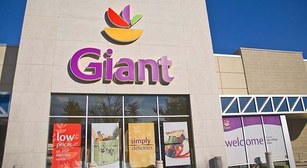 A Giant Food store in Arlington, Va. (Flickr / Ron Cogswell / CC BY 2.0)