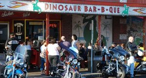 "The original Dinosaur Bar-B-Que in downtown Syracuse, N.Y., in 2008 (Flickr / Joe Shlabotnik / ""Dinosaur Bar-B-Que"" / CC BY 2.0 / Cropped and resized)"