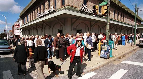 Haussners last day. Loving customers of this Baltimore restaurant stand in line waiting for it to open for the last time on 9/22/99 Max Franz.