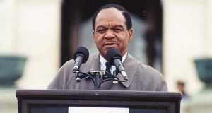 "Walter Fauntroy speaks in 1998 at an anti-impeachment rally in Washington. (Flickr / Elvert Barnes / ""43a.AntiImpeachRally.WDC.17December1998"" / CC BY 2.0 / cropped and resized)"