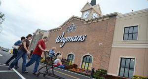 09.21.2011 ABINGDON, MD- Photo of people shopping at the New Wegmans market in Abingdon, MD. (The Daily Record/Maximilian Franz).
