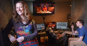 """01.26.2017 Annapolis, MD- Laura Wexler, Fellow in Zaentz Fund and creator of """"Dinner Party"""" a Virtual Reality short based on the 1961 Betty and Barney Hill UFO abduction case, seen here working with Matt Giggieri, director of photography and Nick Kovacic (Gray shirt), producer, at Digital Cave Media Production  in Hampden. (The Daily Record/Maximilian Franz)"""