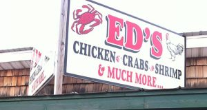 """(Flickr / bigbirdz / """"Delaware: Ed's Chicken & Crabs"""" https://flic.kr/p/8qjPgK / CC BY 2.0 https://creativecommons.org/licenses/by/2.0/ / cropped and resized)"""