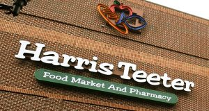 12.07.11- BALTIMORE, MD- The new Harris Teeter Food Market and Pharmacy at McHenry Row in South Baltimore on its grand opening day. (Maximilian Franz/The Daily Record)