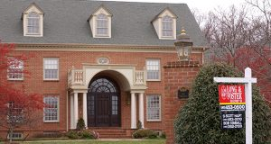 mansion for sale  in Baltimore County neer lock raven. 12/5/05.  9 Timberpark Ct.