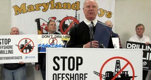Ocean City Mayor Rick Meehan speaks out against allowing offshore drilling off Maryland's coast before an open house on the proposal that took place Tuesday, Jan. 16, 2018, in Annapolis, Md. (AP Photo/Brian Witte)