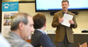 Gene C. Parker Jr., president of Continental Realty Corp., teaches a CRU Executive Series session on commercial real estate leasing.  (Maximilian Franz/The Daily Record)