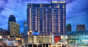 Two Light Luxury Apartments joins its sister property, One Light, as the second new construction high-rise apartment building in the last 50 years in downtown Kansas City, MO (PRNewsfoto/The Cordish Companies)