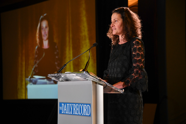 Suzanne Fischer-Huettner, publisher of The Daily Record, welcomes some of the nearly 325 guests to The Westin Annapolis for the start of the 2018 Leading Women awards ceremony. (Photo by Maximilian Franz)